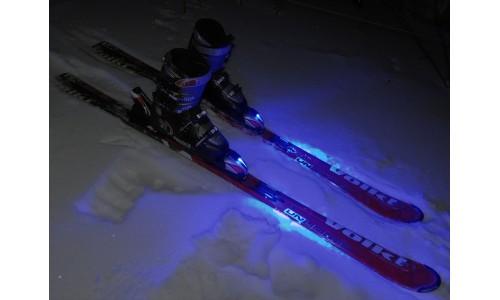 подсветка лыж синяя