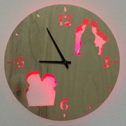 Часы с подсветкой «Поцелуй №824»