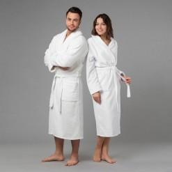 """Комплект халатов с вышивкой """"Лучшие в мире муж и жена"""" (белые)"""
