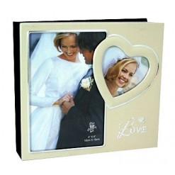 Свадебный фотоальбом с фоторамками на обложке