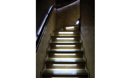 Готовый набор подсветки ступенек лестницы
