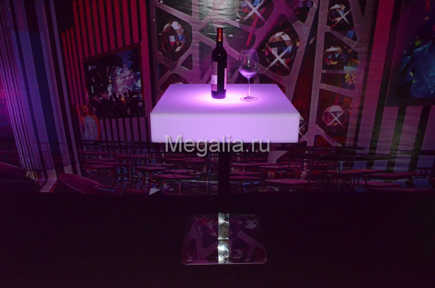 """Светящийся коктейльный стол """"Customized"""""""